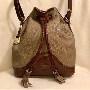 ✨Vintage Dooney & Bourke Drawstring Bucket Bag